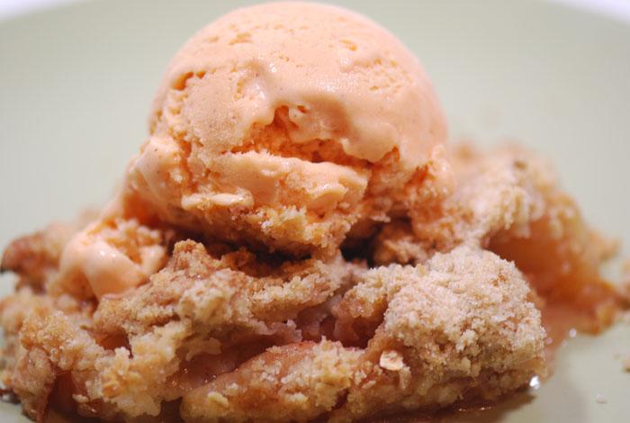 Apple Crisp with Pumpkin Icecream