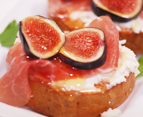 Ricotta, Fig and Prosciutto Toasts