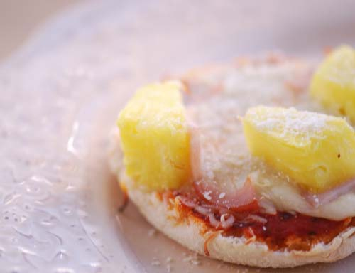 Weight Watchers Recipes |  English muffin pizzas