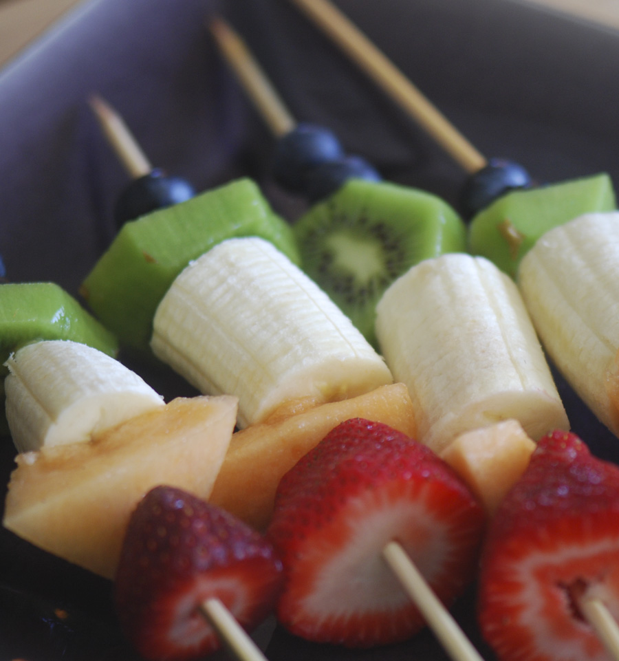 rainbow fruit kabobs 005