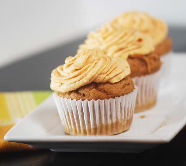 Pumpkin Cupcakes with Pumpkin fluff frosting