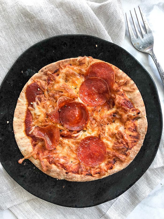Air Fryer Pepperoni Pita Pizzas