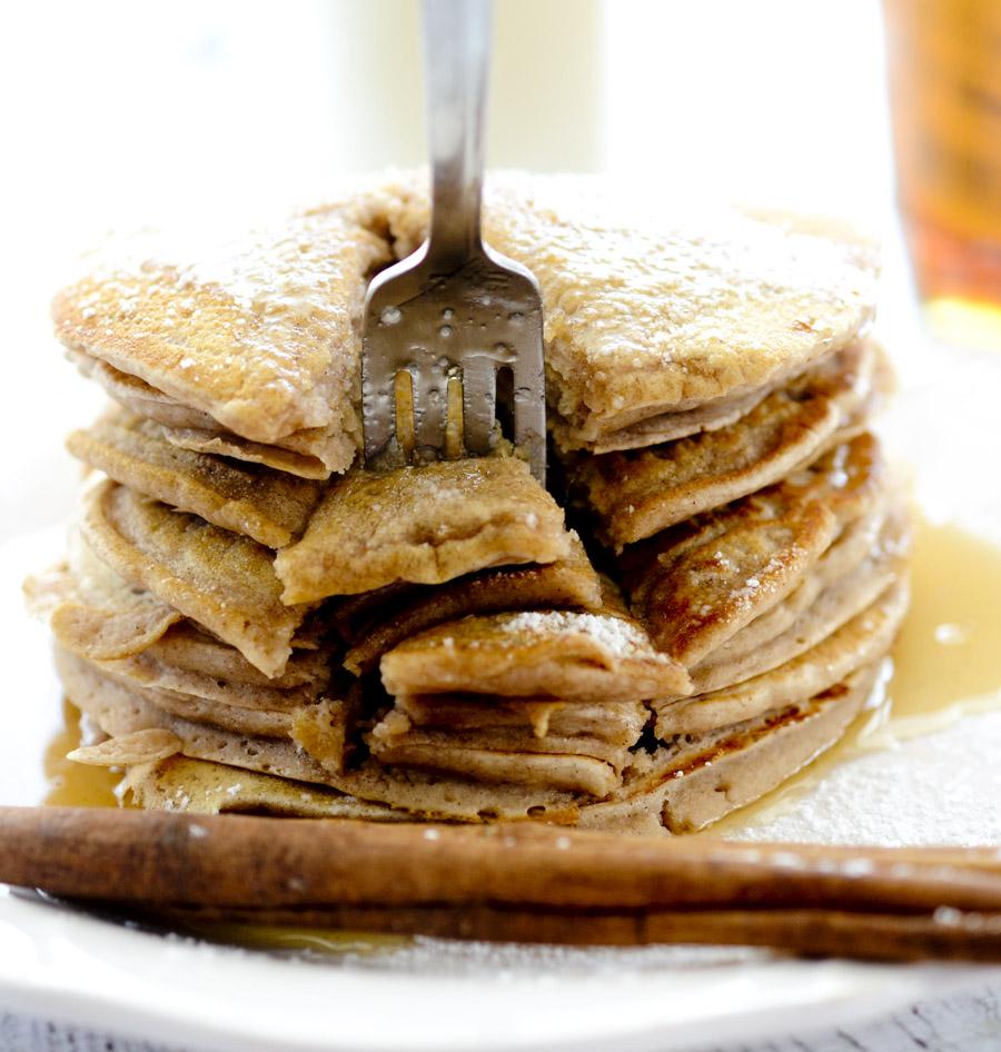 cinnamon applesauce pancakes 061