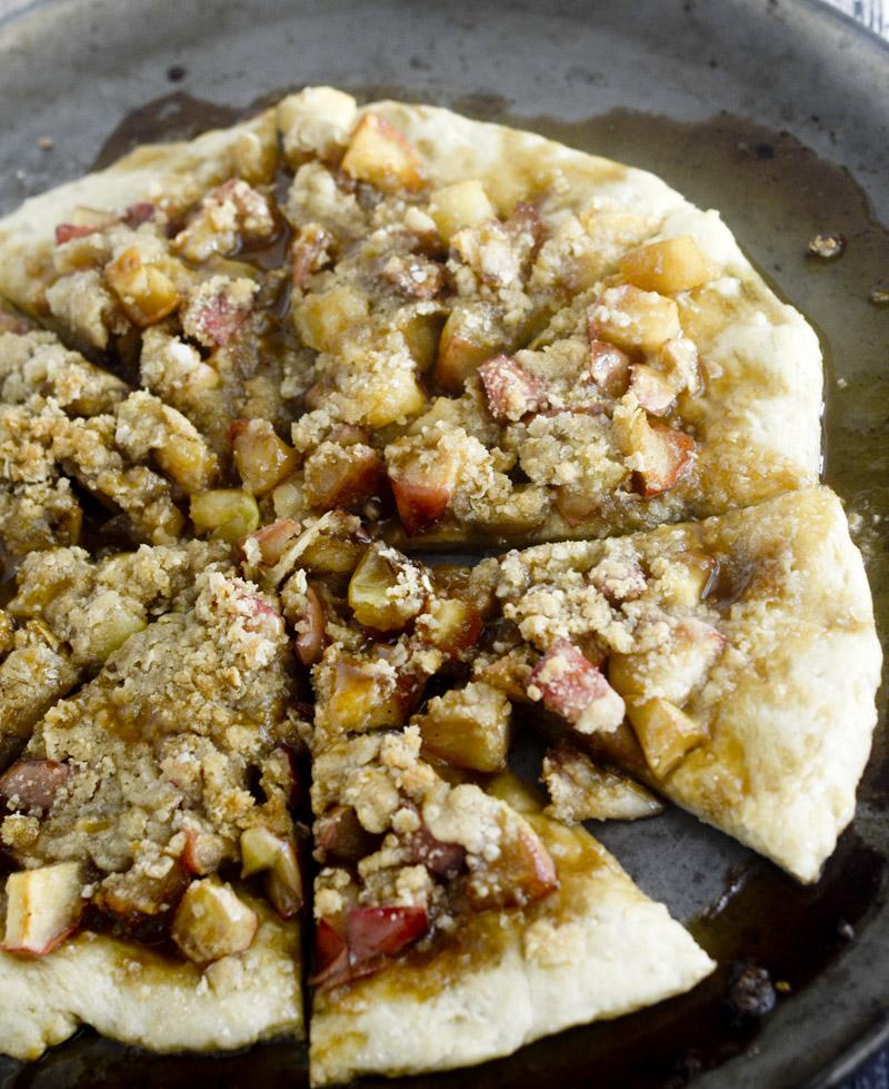 ... crisp apple crisp apple crisp apple crisp pizza with caramel sauce
