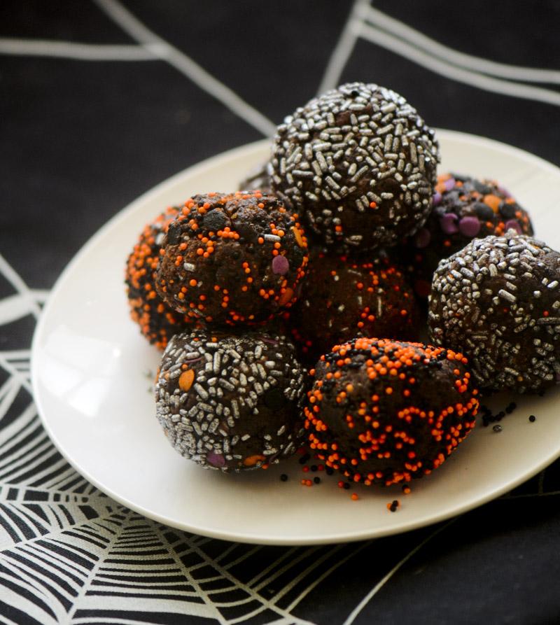halloween brownie truffles 002