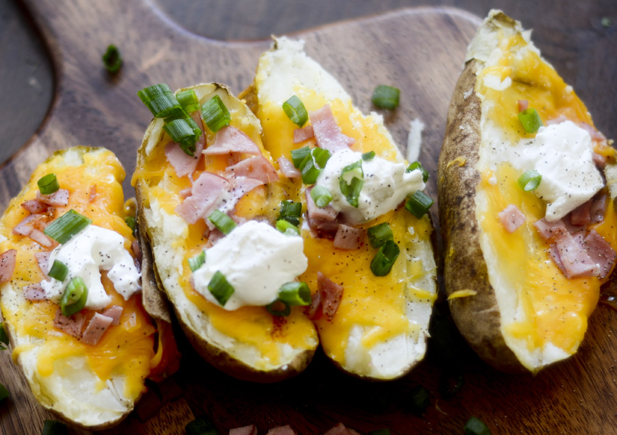 bacon and cheddar baked potatoes 017