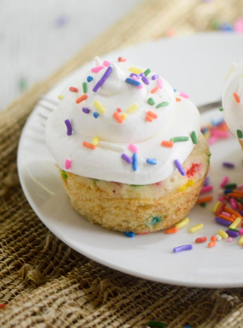 skinny funfetti cupcakes 016