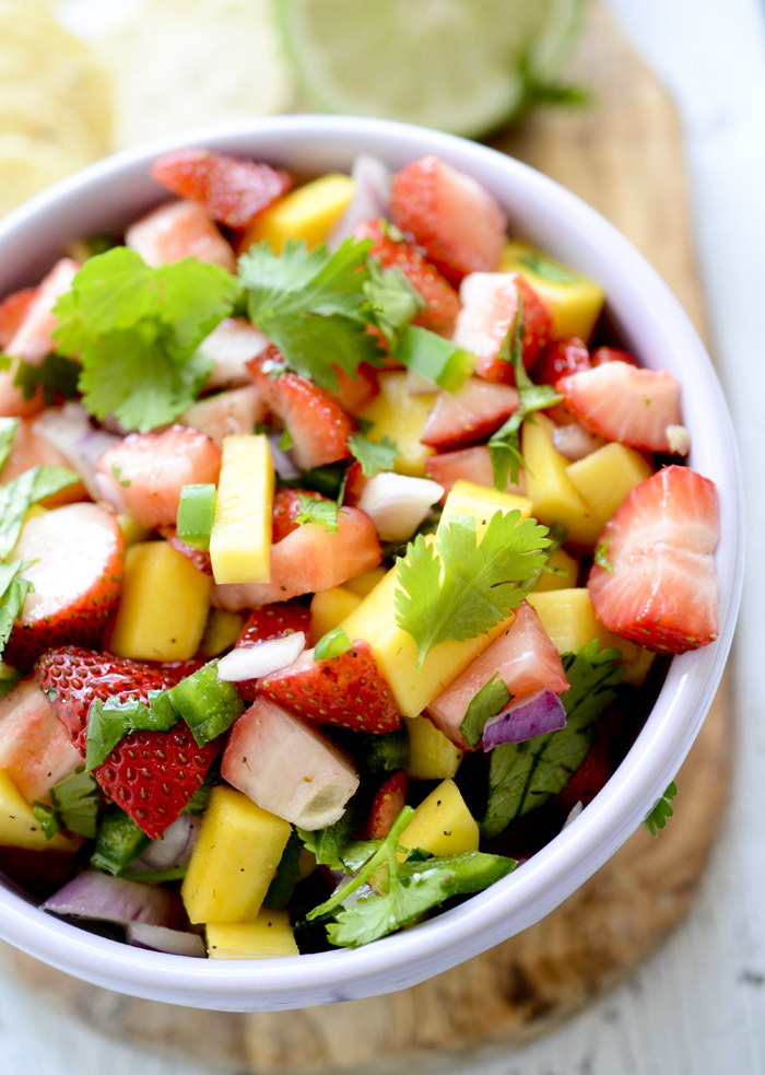 strawberry and mango salsa 016