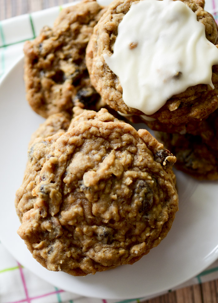 soft and chewy oatmeal raisin cookies 021