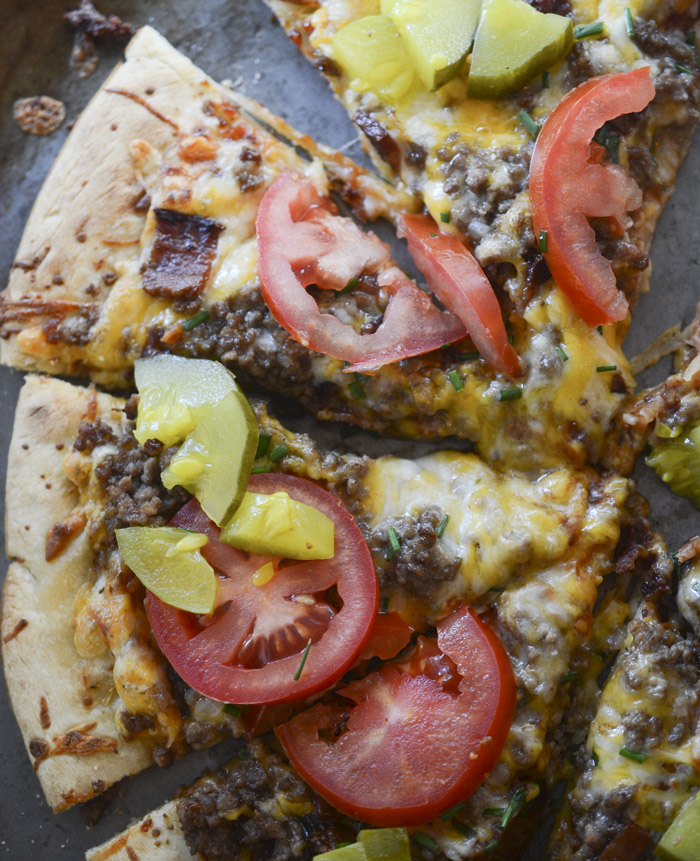 bacon cheeseburger pizza 016