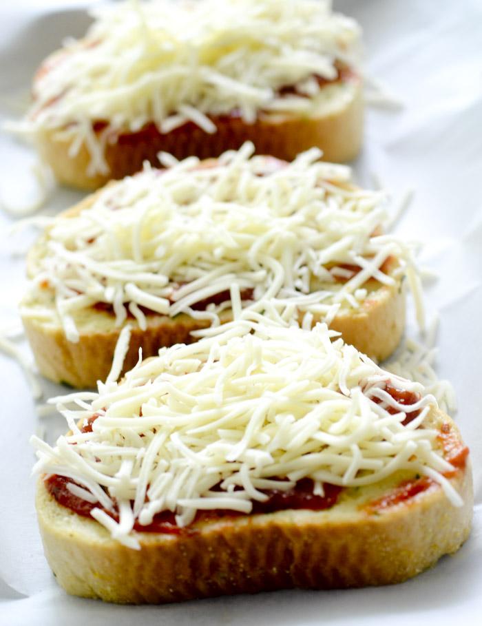 Texas Toast Garlic Bread Pizza 011