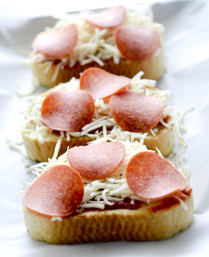 Texas Toast Garlic Bread Pizza 014
