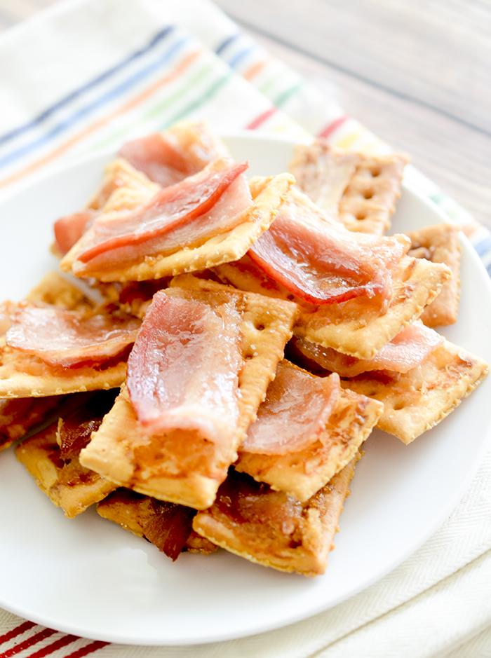 bacon cracker 021