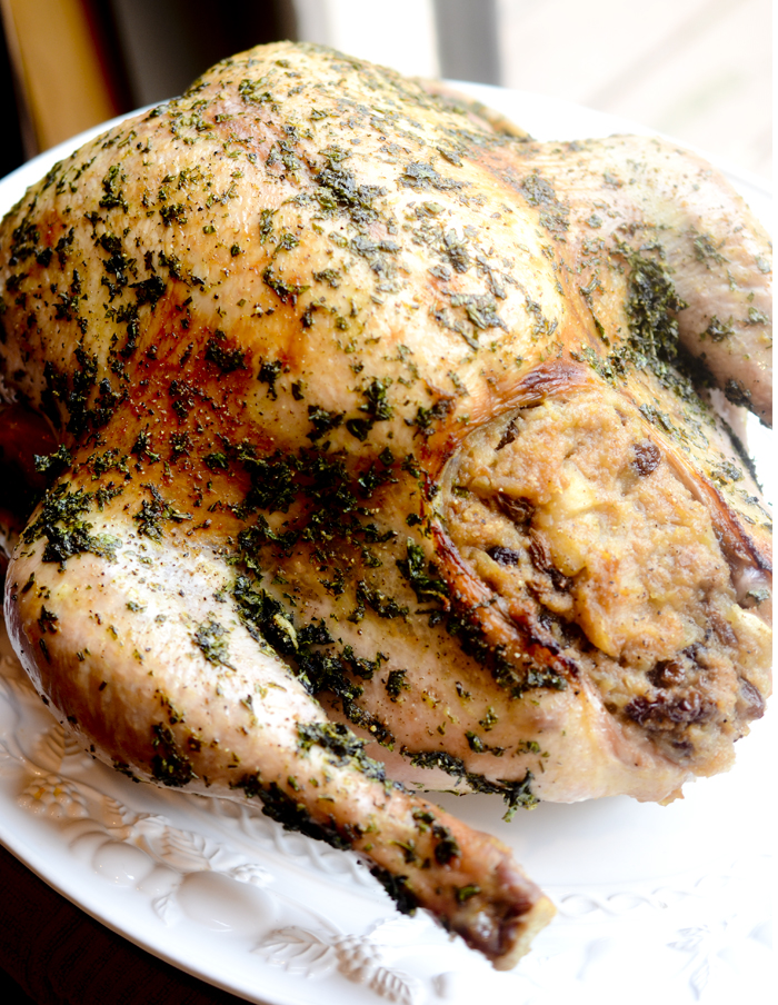 Easy Herb-Rubbed Roast Turkey With Stuffing And Giblet Gravy Recipe ...