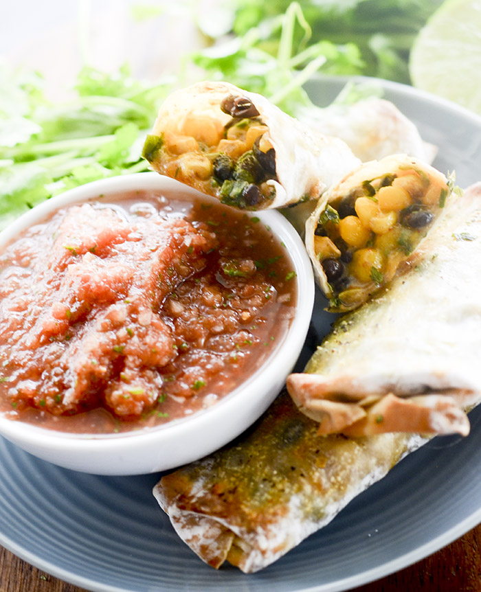 Southwestern Egg Rolls with Salsa Dipping Sauce – Recipe Diaries