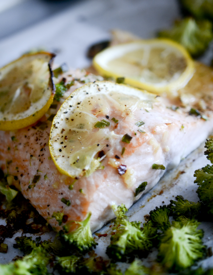 One Pan Garlic Butter Baked Salmon with Broccoli – Recipe Diaries