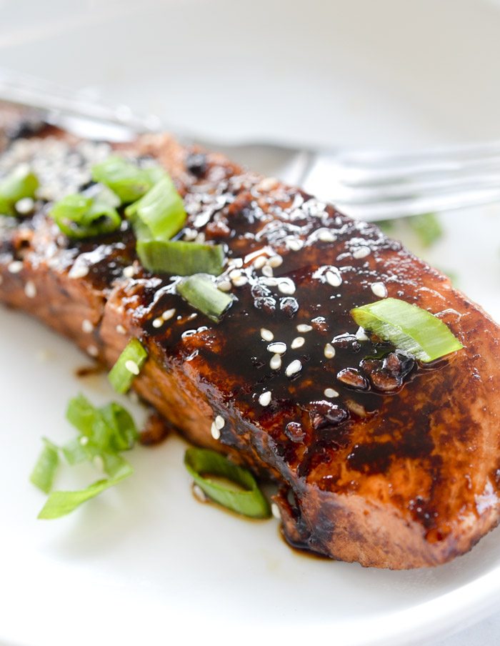 Sweet 'n' Spicy Sriracha-Glazed Salmon