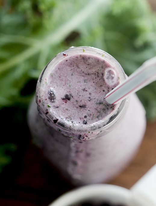 Kale and Blueberry Breakfast Smoothie