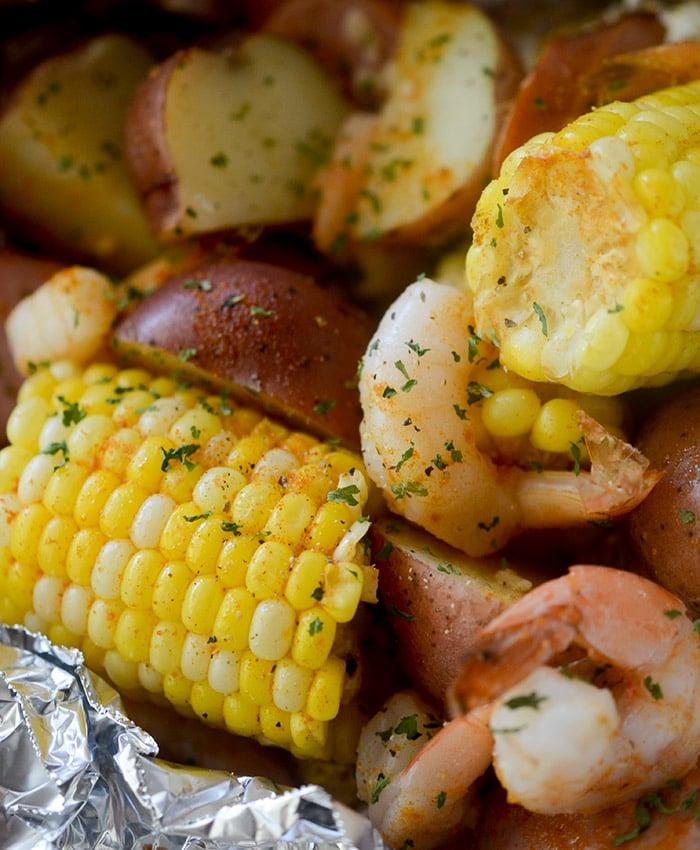 Healthy Baked Shrimp Boil Packets