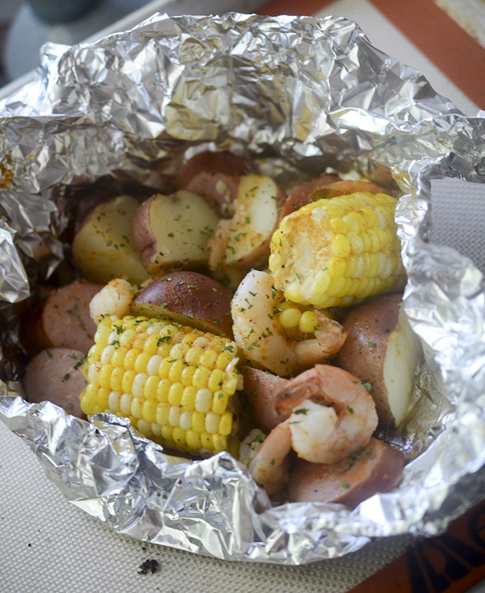 Healthy Baked Shrimp Boil Packets