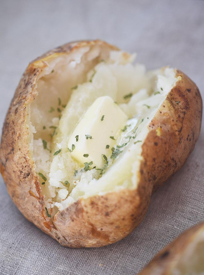 how to make baked potatoes in the oven using foil